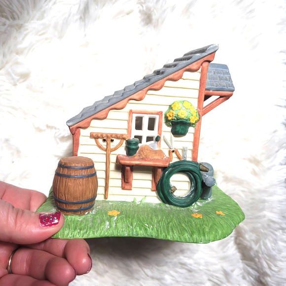 VTG Partylite Garden Shed House Candle Holder